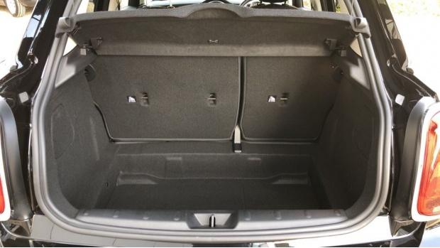 2020 MINI 5-door One Classic (Black) - Image: 13