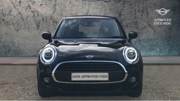 2020 MINI 5-door One Classic (Black) - Image: 16