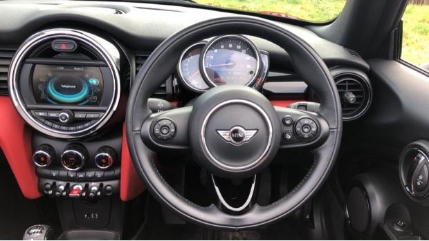 2017 MINI Cooper Convertible (Red) - Image: 5