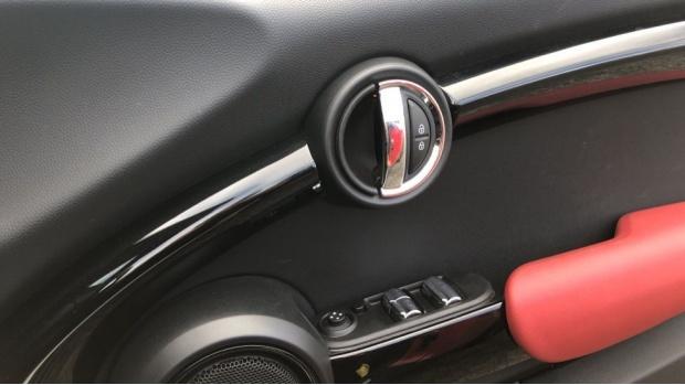 2017 MINI Cooper Convertible (Red) - Image: 20