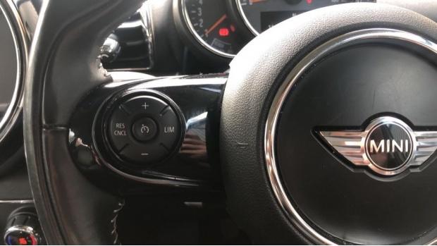 2016 MINI Cooper D (Silver) - Image: 17