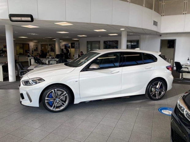 2021 BMW M135i Auto xDrive 5-door (White) - Image: 3