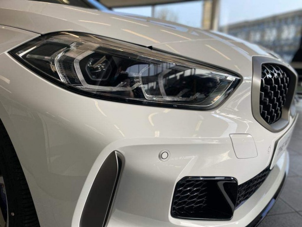 2021 BMW M135i Auto xDrive 5-door (White) - Image: 4