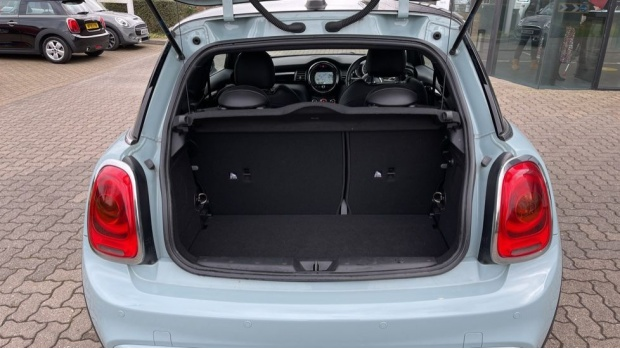 2017 MINI Cooper S 3-door Hatch (Blue) - Image: 13