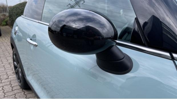 2017 MINI Cooper S 3-door Hatch (Blue) - Image: 26