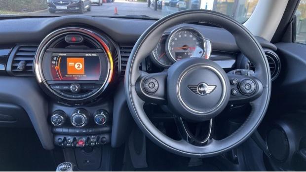 2018 MINI Cooper 3-door Hatch (Orange) - Image: 5