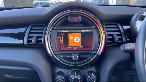 2018 MINI Cooper 3-door Hatch (Orange) - Image: 8