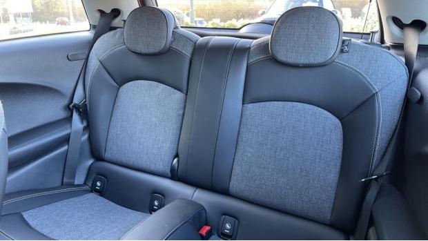 2018 MINI Cooper 3-door Hatch (Orange) - Image: 12