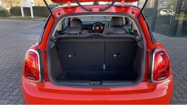 2018 MINI Cooper 3-door Hatch (Orange) - Image: 13