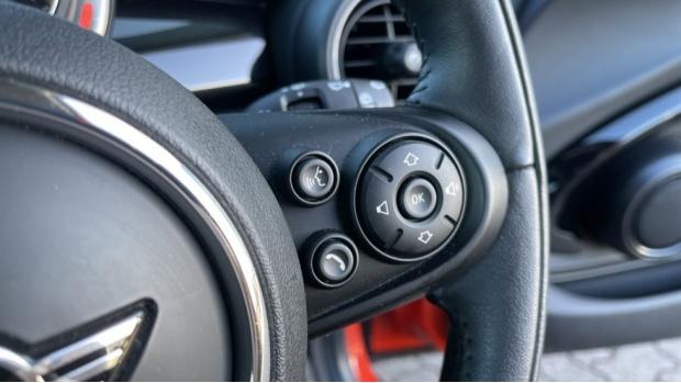2018 MINI Cooper 3-door Hatch (Orange) - Image: 18