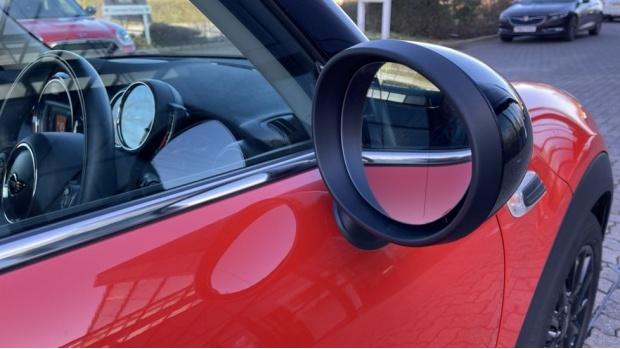 2018 MINI Cooper 3-door Hatch (Orange) - Image: 28