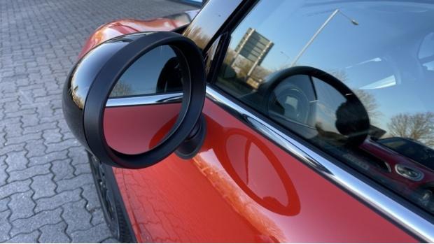 2018 MINI Cooper 3-door Hatch (Orange) - Image: 31