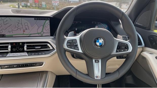 2021 BMW XDrive30d M Sport  - Image: 5