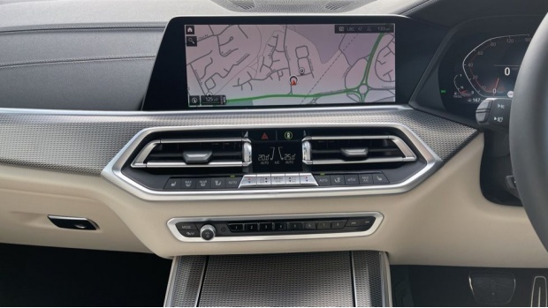 2021 BMW XDrive30d M Sport  - Image: 8
