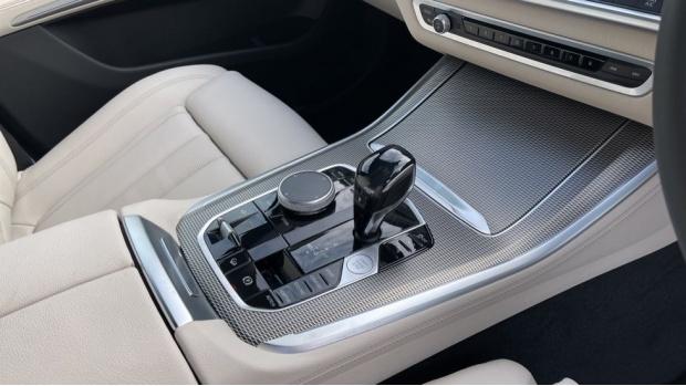 2021 BMW XDrive30d M Sport  - Image: 10