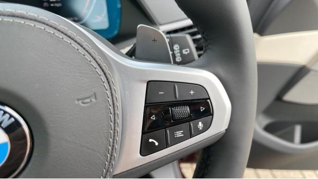 2021 BMW XDrive30d M Sport  - Image: 18