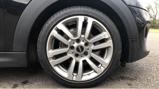2018 MINI 3-door Cooper Seven Edition (Black) - Image: 14