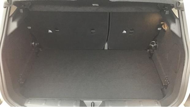 2019 MINI 5-door Cooper S Classic (White) - Image: 13