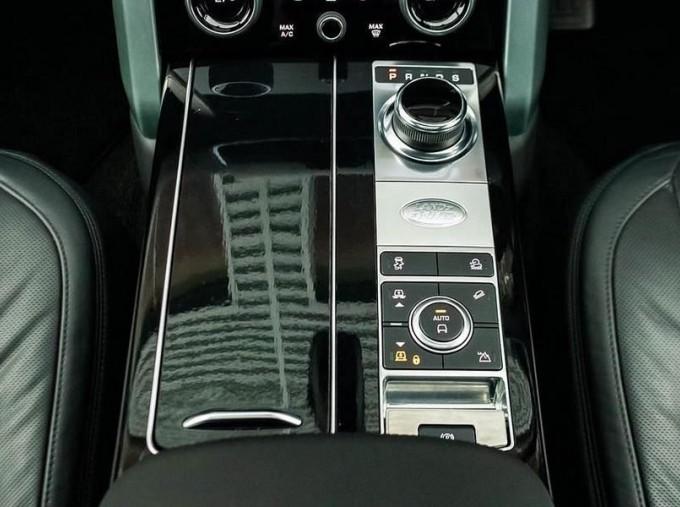 2019 Land Rover SD V6 Autobiography Auto 4WD 5-door (Black) - Image: 12