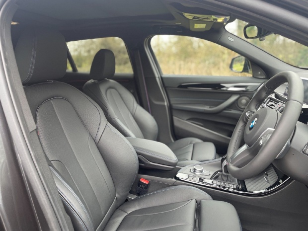 2021 BMW 20d M Sport Auto xDrive 5-door (Grey) - Image: 11