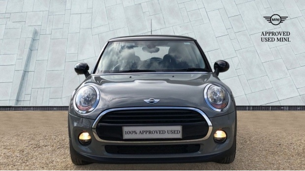 2017 MINI Cooper 3-door Hatch (Grey) - Image: 16