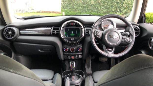 2018 MINI Cooper S 3-door Hatch (Silver) - Image: 4