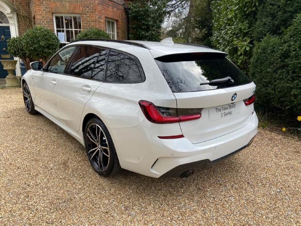 2021 BMW 320d MHT M Sport Touring Auto 5-door (White) - Image: 12