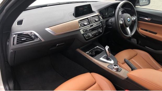 2018 BMW 218i M Sport Coupe (White) - Image: 7