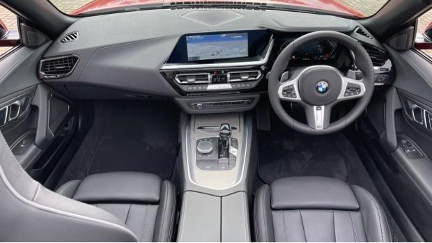 2020 BMW SDrive30i M Sport (Red) - Image: 4