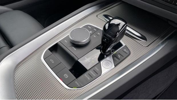 2020 BMW SDrive30i M Sport (Red) - Image: 10
