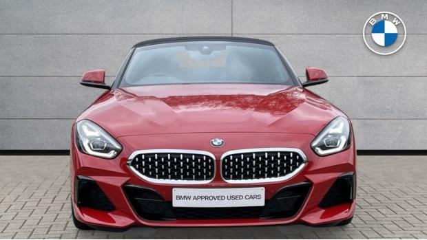 2020 BMW SDrive30i M Sport (Red) - Image: 16