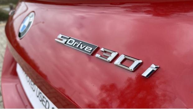 2020 BMW SDrive30i M Sport (Red) - Image: 39