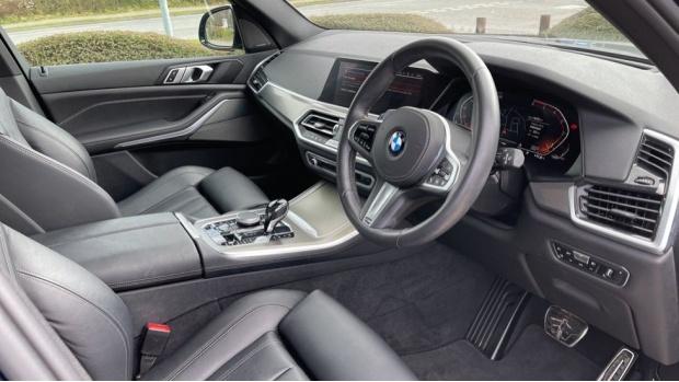2019 BMW XDrive30d M Sport (Blue) - Image: 6