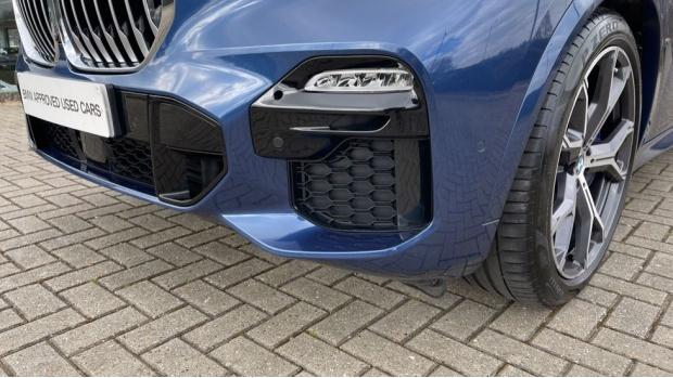 2019 BMW XDrive30d M Sport (Blue) - Image: 28