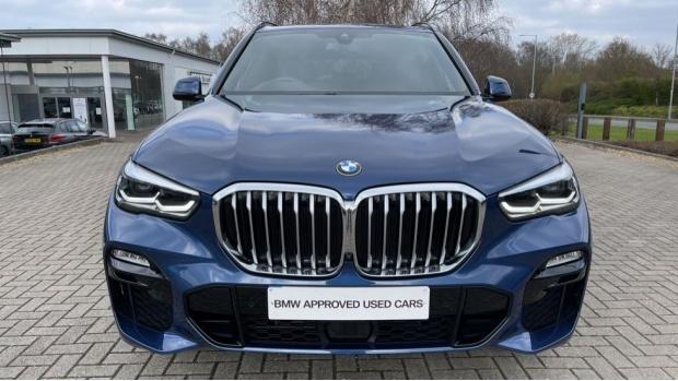 2019 BMW XDrive30d M Sport (Blue) - Image: 29
