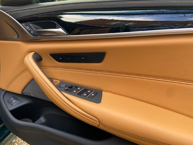 2021 BMW M550i V8 Steptronic xDrive 4-door  - Image: 8