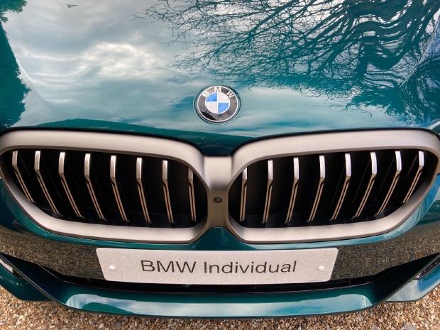 2021 BMW M550i V8 Steptronic xDrive 4-door  - Image: 21