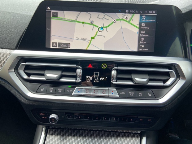 2021 BMW 330e 12kWh M Sport Auto xDrive 4-door (Black) - Image: 11