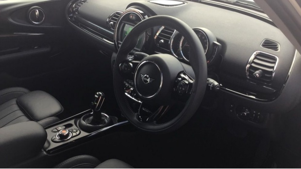 2020 MINI Cooper Exclusive (White) - Image: 6