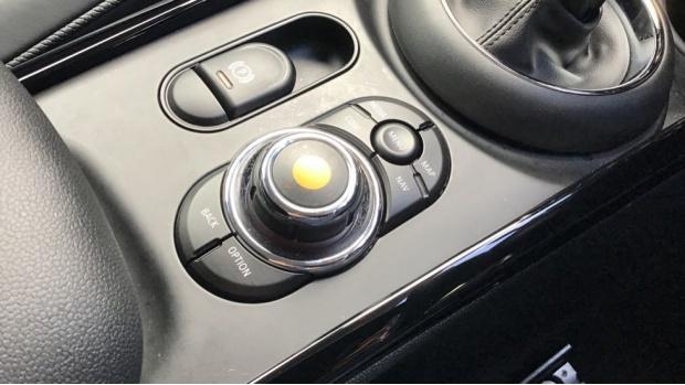 2020 MINI Cooper Exclusive (White) - Image: 19