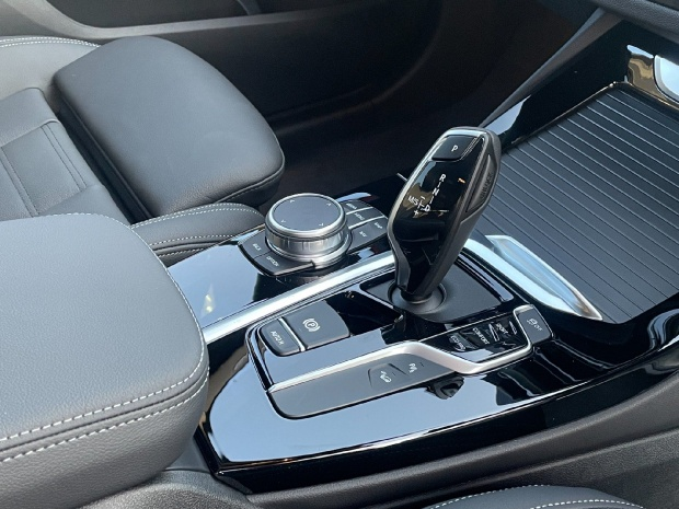 2021 BMW 20d MHT M Sport Auto xDrive 5-door (White) - Image: 10