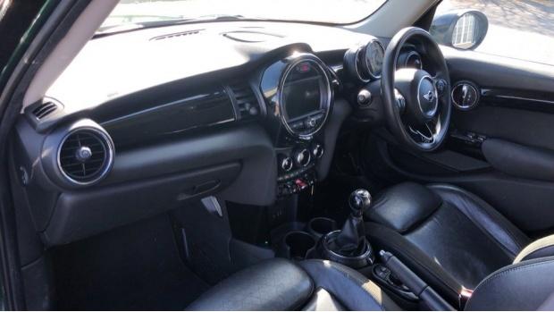 2017 MINI 5-door Cooper S (Green) - Image: 7
