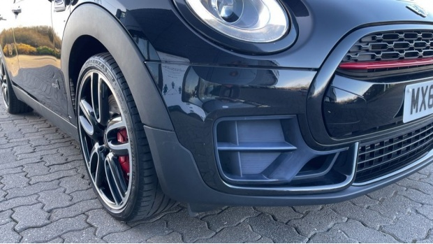 2017 MINI John Cooper Works Clubman (Black) - Image: 29