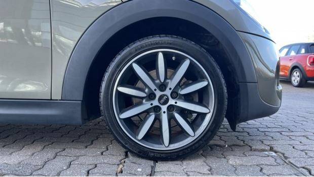 2018 MINI Cooper S 3-door Hatch (Grey) - Image: 14