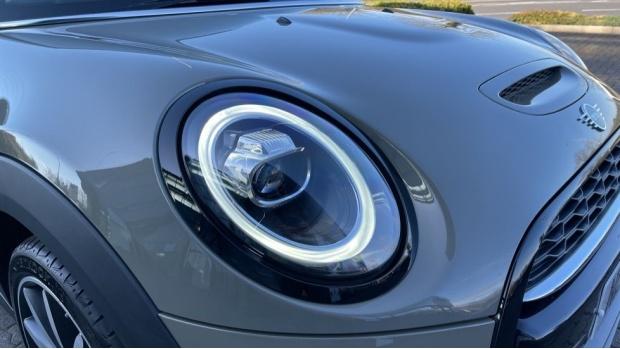 2018 MINI Cooper S 3-door Hatch (Grey) - Image: 23
