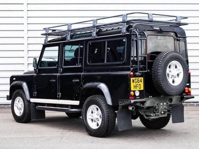 2014 Land Rover D XS (7 Seats) Station Wagon 5-door (Black) - Image: 2