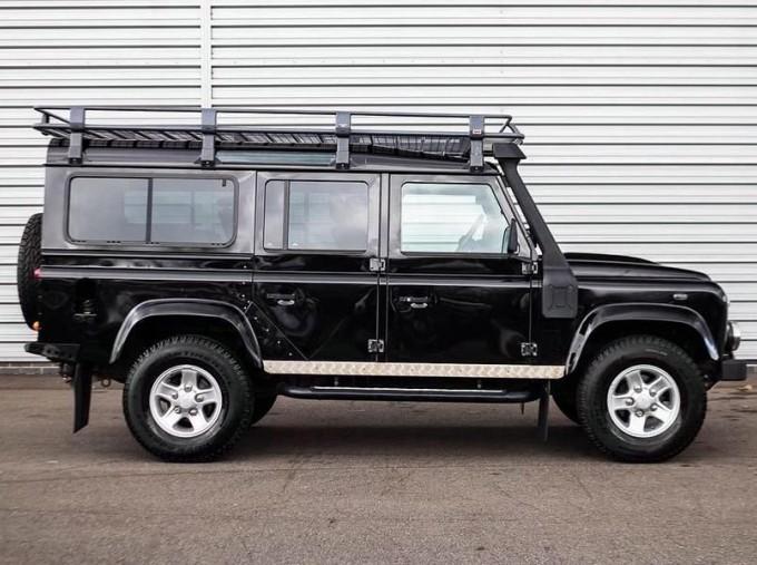 2014 Land Rover D XS (7 Seats) Station Wagon 5-door (Black) - Image: 5