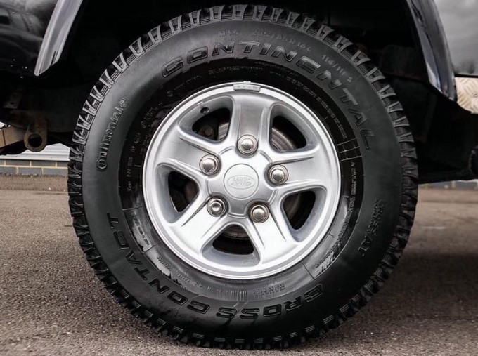 2014 Land Rover D XS (7 Seats) Station Wagon 5-door (Black) - Image: 8