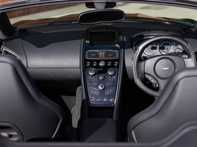 2018 Aston Martin V12 Volante Touchtronic III 2-door (Black) - Image: 6
