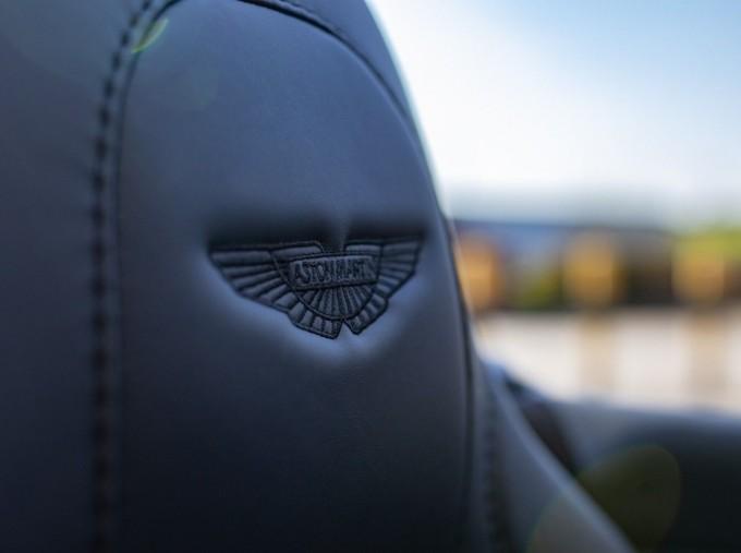 2018 Aston Martin V12 Volante Touchtronic III 2-door (Black) - Image: 13